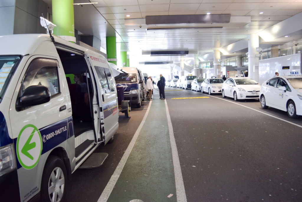 Auckland-airport-transfers